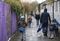10-03-2021 - Parents taking children back to school after schools closed due to Covid-19, Bristol © Paul Box