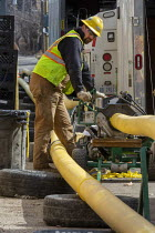 25-03-2021 - Detroit, USA-DTE Energy workers replacing old cast iron gas mains, Morningside © Jim West