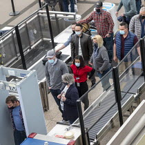 24-03-2021 - Denver International Airport passenger security screening, Colorado, USA © Jim West